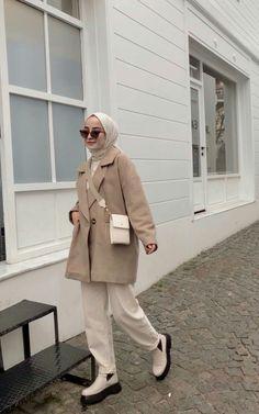 Modern Hijab Fashion, Street Hijab Fashion, Hijab Fashion Inspiration, Muslim Fashion, Look Fashion, Fashion Outfits, Stylish Hijab, Casual Hijab Outfit, Hijab Fashionista