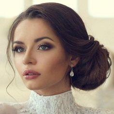 #NaturalBodyScrub Gold Bridal Earrings, Bridesmaid Earrings, Wedding Earrings, Bridesmaid Makeup, Best Wedding Makeup, Bridal Makeup, Evening Wedding Makeup, Romantic Wedding Makeup, Wedding Makeup For Brunettes