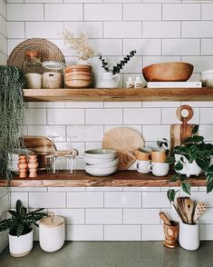 boho home decor Kitchen Shelf Decor, Boho Kitchen, Kitchen Shelves, Kitchen Styling, Kitchen Ware, Floating Shelf Decor, Floating Shelves Kitchen, Open Shelves, Wood Shelves