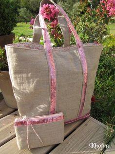 Velveteen trim on duck or denim or courderoy material Sacs Tote Bags, Reusable Tote Bags, Sac Vanessa Bruno, Vanity Bag, Diy Sac, Jute Bags, Tote Backpack, Couture Sewing, Patchwork Bags