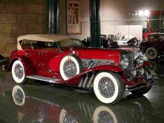 """The American company Duesenberg Automobile & Motors Company, Inc. It existed from 1913 to 1937. The most famous car was the Duesenberg Model J, which was both the crown and the swan song of the firm. However, all """"Dyusenbergi"""" were great examples of automotive design. In 1920-30 Duesenberg name was practically a household word. It…"""