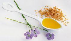 Lněná semínka jsou významnou potravinou adůležitou pomůckou alternativní medicíny. Jejich využití je opravdu široké. Některé varianty jsou známé, jiné… Spoon, Health Tips, Avocado, Tableware, Beauty, Dinnerware, Lawyer, Tablewares, Spoons
