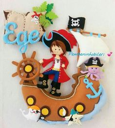 felt pirate ship idea for baby room child Felt Wreath, Felt Garland, Felt Ornaments, Diy Craft Projects, Sewing Projects, Handmade Crafts, Diy And Crafts, Baby Mobile, Felt Baby