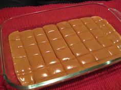 Six Minute Caramels~ Ingredients cup butter cup white sugar cup brown sugar cup light Karo syrup cup sweetened condensed milk Directions: 1 Combine all ingredients. 2 Cook 6 minutes, stirring every two minutes. 3 Stir and pour into lig Candy Recipes, Sweet Recipes, Dessert Recipes, Yummy Recipes, Fast Recipes, Healthy Recipes, Healthy Food, Six Minute Caramels, Desert Recipes