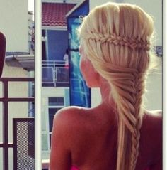 #eleganthair #blond #fishtail
