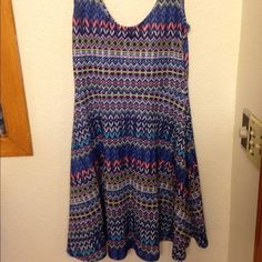 Cute pattern dress Worn twice. Stretches. Compliments body. Angie Dresses Maxi