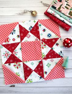 Vintage Sampler Quilt Block made by Julie Cefalu. Designed by Barbara Eikmeier Vintage Sampler Quilt Block made by Julie Cefalu. Designed by Barbara Eikmeier The Crafty Quilter - Quilting tips and inspiration I'm sharing lots of quilt blocks with you toda Christmas Sewing, Christmas Books, Vintage Christmas, Christmas Time, Christmas Quilting Projects, Christmas Quilt Patterns, Crochet Penguin, Sewing Hacks, Sewing Tips
