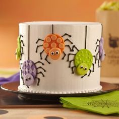 Wilton Cute Crawlies Spider Cake
