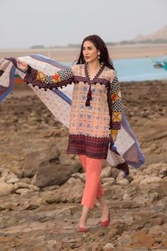 Stylish Dresses For Girls, Cute Girl Dresses, Simple Dresses, Stylish Dress Book, Sleeves Designs For Dresses, Neck Designs For Suits, Dress Neck Designs, Simple Pakistani Dresses, Pakistani Dress Design