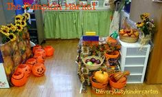 Pumpkin Market Literacy Prop box for Dramatic Play Center. Must do this!