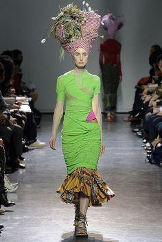Junya Watanabe Spring 2009 Ready-to-Wear Fashion Show - Christina Carey (Viva)