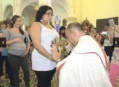 Hora Santa para Embarazadas krouillong comunion en la mano es sacrilegio stop communion in the hand