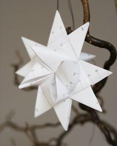 Fröbelstern falten: Weihnachtsdeko mit einem alten IKEA Maßband. Ikea hacks: Use an old measurement tape to create a Froebelstern. Nice christmas decoration! - www.limmaland.com/blog/