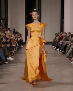 Stunning Orange Asymmetric Slit Sheath Evening Maxi Dress / Evening Gown with V-Back Cut and small Train. Runway Show by Georges Chakra Haute Couture Dresses, Couture Fashion, Satin Dresses, Nice Dresses, Bridesmaid Dresses, Prom Dresses, Flapper Dresses, Wedding Dress Bustle, Ballroom Dress