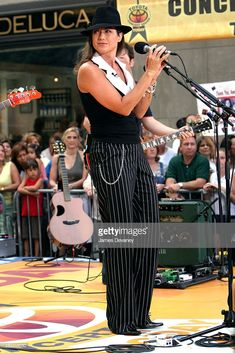 Christian Music Artists, Amy Grant, Vince Gill, Country Singers, Musicians, Fan, Costumes, Stars, Clothes