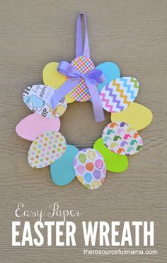 Easy Paper Easter Wreath to make with kids and decorate your door!