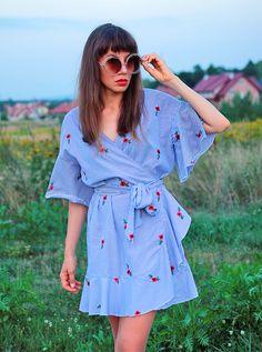 ootd with kimono striped dress: http://jointyicroissanty.blogspot.com/2017/08/kimono-striped-dress.html