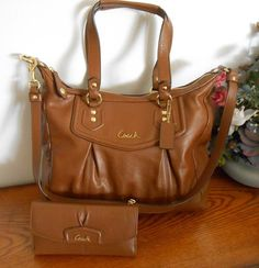 NWTCoach Ashley Leather Shoulder Handbag Brown F20104+Matching Checkbook Wallet