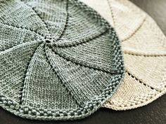 Runde strikkede klude - FiftyFabulous Knitted Dishcloth Patterns Free, Knitting Machine Patterns, Knit Dishcloth, Knitting For Kids, Knitting For Beginners, Knitting Projects, Baby Knitting, Drops Design, Baby Sewing Tutorials