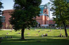 Park Starego Browaru nazywany przez naszych klientów Polskim Central Parkiem #park #leżaki #chill #starybrowar #lato