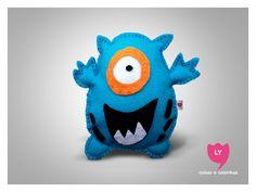 Felt Blue Monster Custom Felt Doll Create your doll. #lycoisasecoisinhas #monstrinho