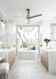 The Number One Question You Must Ask For Dream Bathrooms Master Baths Bathtubs Soaker Tub 43 Bad Inspiration, Bathroom Inspiration, Interior Inspiration, Dream Bathrooms, Beautiful Bathrooms, Luxury Bathrooms, White Bathrooms, Decor Interior Design, Interior Decorating