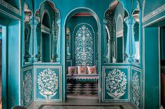 The floral-filled Bar Palladio in the Narain Niwas Palace hotel was painted by Vikas Soni.