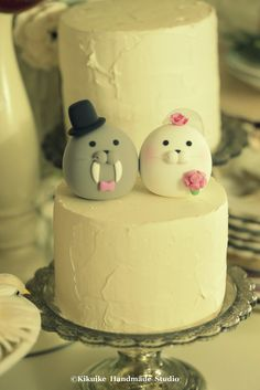 Seal and Walrus MochiEgg wedding cake topper