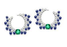 Extremely Piaget collection earrings in white gold set with 34 cabochon-cut blue sapphires, two cushion-cut emeralds and brilliant-cut diamonds High Jewelry, Gems Jewelry, Jewelery, Jewelry Accessories, Jewelry Design, Ladies Accessories, Lotus Jewelry, Modern Jewelry, Piaget Jewelry