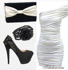 Vestido blanco plisado un solo hombro