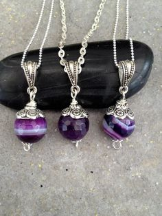 """Three Purple Mice"" Agate Pendant Necklace 