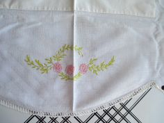 Vintage 1950's Cottage Chic Small Embroidered Hand by eveeting, $12.00