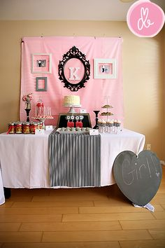 What a cute, vintage barbie baby shower theme!