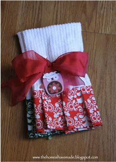The Homes I Have Made: Homemade Christmas - Embellished Dish Towels