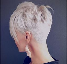 You may see here the wonderful ideas of undercut short pixie haircuts for women and girls to show off right now. This is one of the best styles among all the short pixie haircuts in year - Hair Styles Undercut Short Pixie, Short Pixie Haircuts, Short Hairstyles For Women, Undercut Women, Undercut Styles, Haircut Short, Short Hair Cuts For Women Pixie, Crop Haircut, Funky Hairstyles
