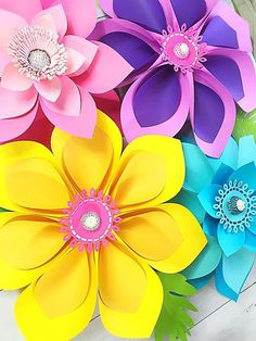 This Hawaiian Flowers Paper Flowers Large Paper Flowers Templates & Tutorial SVG Files Tropical Party Moana Birthday Backdrop is just one of the custom, handmade pieces you'll find in our patterns & how to shops. Large Paper Flowers, Paper Flower Wall, Paper Flower Backdrop, Giant Paper Flowers, Flower Wall Decor, Origami Flowers, Diy Flowers, Diy Party Decorations, Flower Decorations