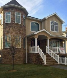 124 Bedell Ave is today's Daily Sold Home! This new construction Tottenville home has four bedrooms and four bathrooms. Elizabeth Del Priore sold this home for $997,000! RealEstateSINY.com #RealEstateSINY #StatenIsland #NewYork #Daily #Sold #Home #RealEstate #Listing #Tottenville