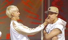 Haha oh BamBam what are you doing to Jackson ❤️