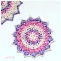 Un mandala irresistible!! . Pattern Magnolia mandala by @crochet_millan