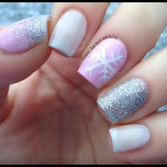 love these nails for Christmas!!