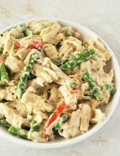 This delicious gluten-free vegan recipe for Alfredo with vegetables, comfort food at its best. Its spring and asparagus are in season.