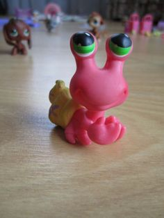 Littlest Pet Shop pink crab - 1