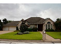 5131 Bellerive Bend Dr., College Station, TX Incredible pool with hot tub, huge outdoor kitchen, built-in firepit and covered patio with surround sound await you in your backyard oasis!  Great home with even better floorplan in the sought after neighborhood of Pebble Creek. Oversized rooms with ample closets and storage space. Gourmet kitchen with island, tons of cabinet space, granite counters and large eating bar!  Wonderful home for entertaining, hurry over!