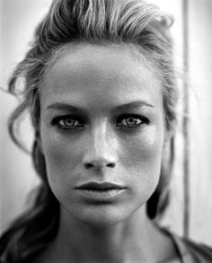 Black and White Portraits by Vincent Peters   Photographist - Photography Blog