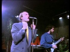 "Phil Collins: ""Sussudio"" - 1985 - YouTube"