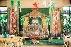 A Festive Pinoy Christmas Fiesta for Kaley and Finn Christmas Booth, Christmas Birthday Party, Christmas Backdrops, Christmas Themes, Christmas Diy, Fiesta Theme Party, Birthday Party Themes, Fiesta Decorations, Backdrops For Parties