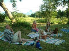 Bjørn, Viktoria, Vera, Vilma og Noa: Som et bilde av Monet Picnic Blanket, Outdoor Blanket, Monet, Pictures, Picnic Quilt