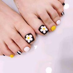30 top trending nail art 2019 017 producttall com Cute Toe Nails, Toe Nail Art, My Nails, Feet Nail Design, Toe Nail Designs, Pedicure Designs, Nails Design, Stylish Nails, Trendy Nails