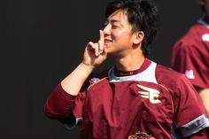 Twitter / Rakuten__Eagles: 「しーっ!」美馬投手が練習中に見せた素敵な笑顔を一枚☆ # ...