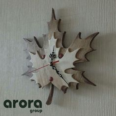 Diy Wood Projects, Wood Crafts, Pallette, Wood Clocks, Unique Wall Clocks, Wall Clock Design, Diy Clock, Paper Artwork, Wood Home Decor